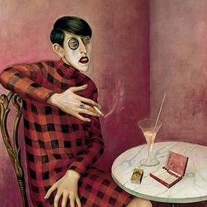 femme buvant à la terrasse d'un café
